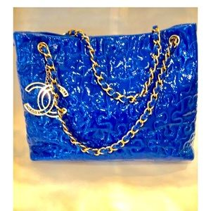 Chanel Puzzle Quilted Patent Blue Leather Tote